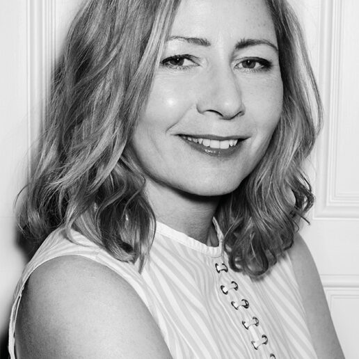 Instagram Live: H Vogue Greece φιλοξενεί τη Sarah Mower
