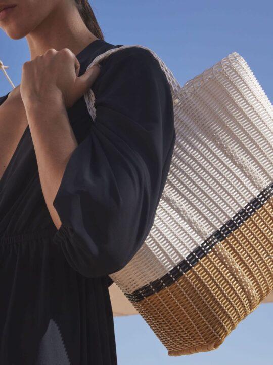 ERES x PALOROSA: Kομψές γραμμές και χρώματα στην απόλυτη basket bag του καλοκαιριού