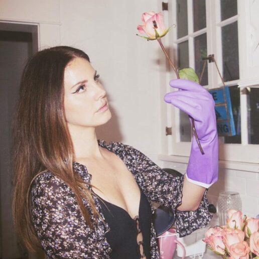 Lana Del Rey: 6 πράγματα που δεν γνωρίζουμε για τη ζωή της