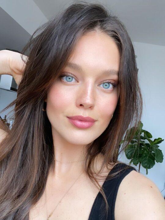 Emily DiDonato: 10 tips για λαμπερή επιδερμίδα χωρίς makeup