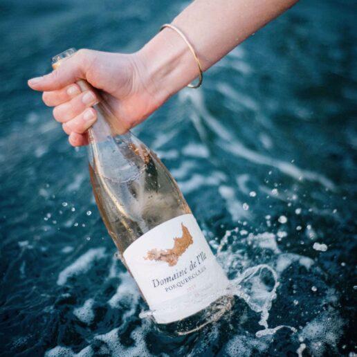 Domaine de l'Ile: Τα κρασιά του οίκου Chanel μας ταξιδεύουν στον γαλλικό Νότο