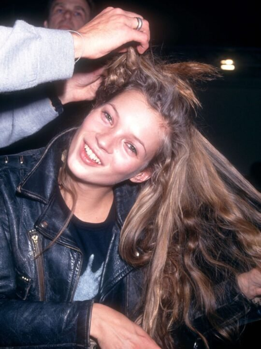 Kate Moss: Το μυστικό για τέλεια μαλλιά και η ρουτίνα ομορφιάς της