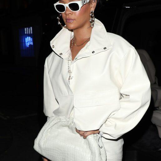 Sunglasses: Όταν οι celebrities απογειώνουν τις εμφανίσεις τους με γυαλιά ηλίου