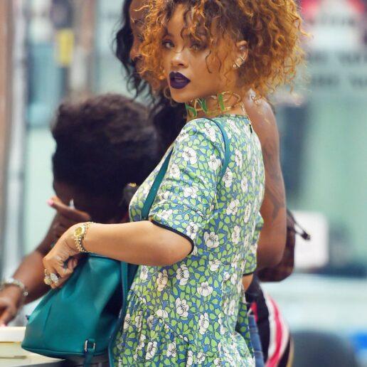 10 καλοκαιρινές εμφανίσεις της Rihanna που αξίζει να θυμηθείτε