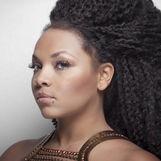 Η Idra Kayne μεγάλωσε ακούγοντας συνέχεια «δε σε παίζω γιατί είσαι μαύρη»