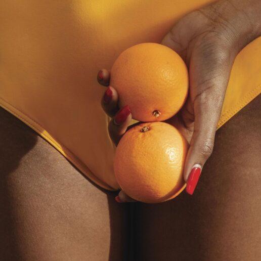 6 superfoods που μπορείτε να δοκιμάσετε τώρα για λαμπερό δέρμα