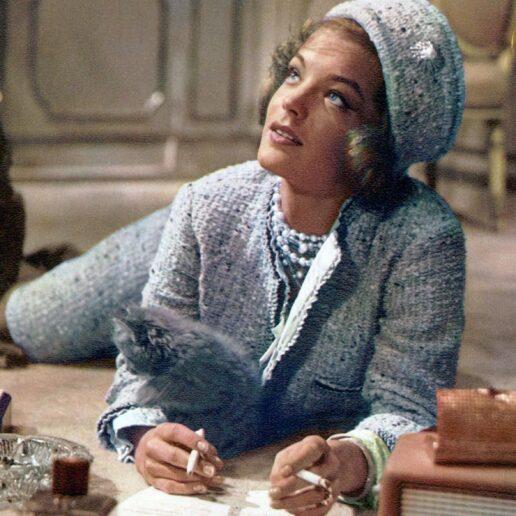 Αυτά είναι τα ωραιότερα look με πρωταγωνιστή το tweed jacket του οίκου Chanel