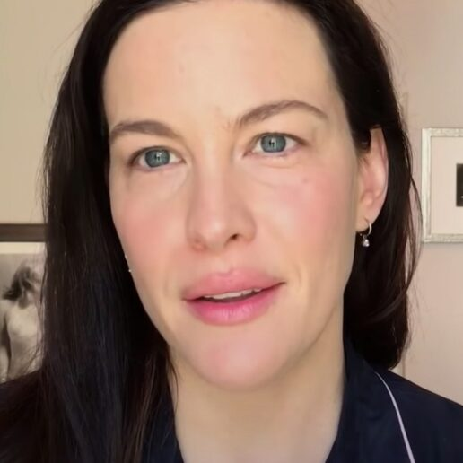 Πώς να πετύχετε το πιο λαμπερό φυσικό μακιγιάζ σύμφωνα με την Liv Tyler