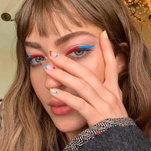 Colored Eyeliner: Τονίστε τα μάτια σας με τα πιο καλοκαιρινά χρώματα