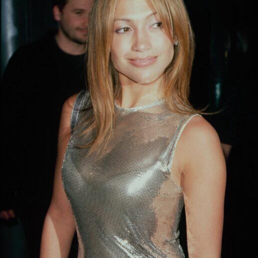 Η Jennifer Lopez μας γυρίζει στα 90s με αυτό το νοσταλγικό hairstyle