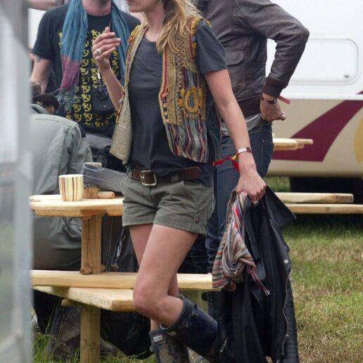 Σορτς: 15 φωτογραφίες της Kate Moss αποδεικνύουν ότι καθιέρωσε την τάση