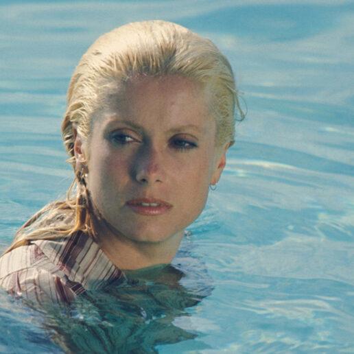 Η Κατρίν Ντενέβ σε 15 σπάνιες φωτογραφίες που «μυρίζουν» καλοκαίρι