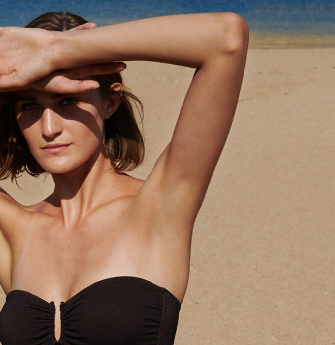 «Έχουμε τόση θάλασσα μπροστά μας»: Το resort wear είναι το success story της ελληνικής μόδας