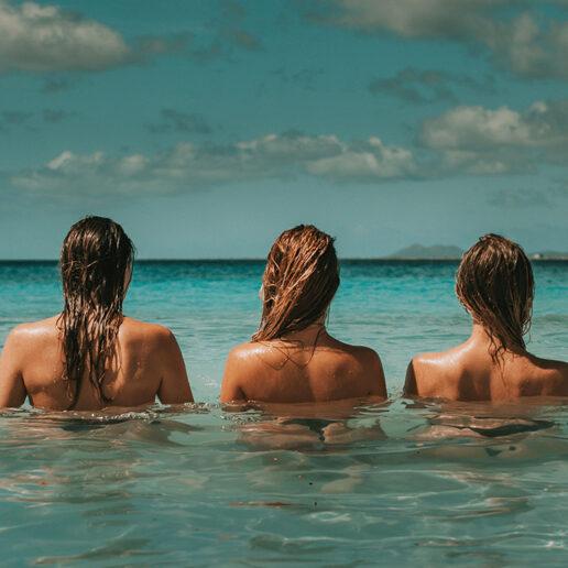 Kορίτσια στον ήλιο