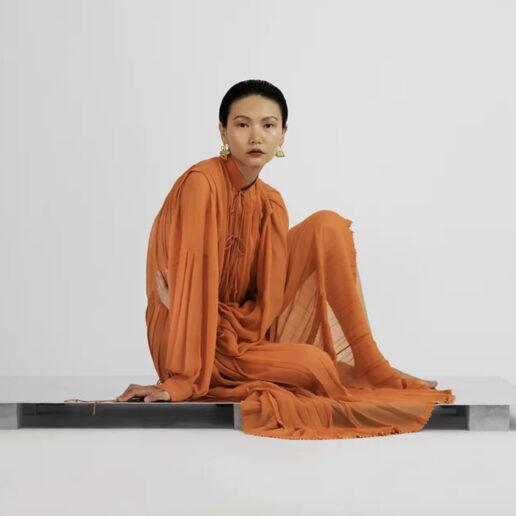 Άγγελος Τσακίρης: Ένα από τα πιο ανήσυχα πνεύματα της νέας ελληνικής μόδας στη Vogue Greece