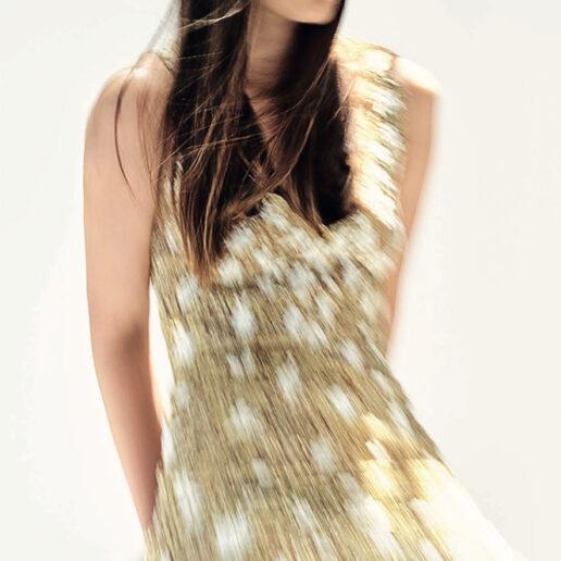 Το φόρεμα της Τζένης Μπαλατσινού που της θυμίζει τις ωραιότερες μέρες της ελληνικής μόδας