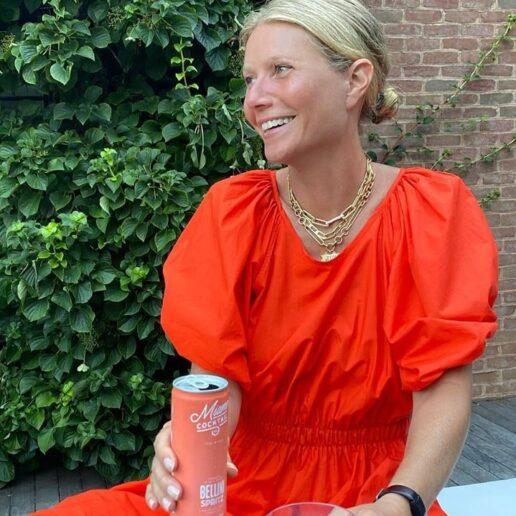Αυτό το κόκκινο smock dress της Gwyneth Paltrow είναι το φόρεμα των ονείρων μας