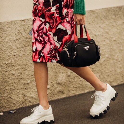 Derbies: Η νέα τάση στα flat παπούτσια που μας ενθουσίασε