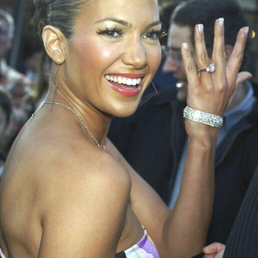 Jennifer Lopez: Όλα τα δαχτυλίδια αρραβώνων που έχει φορέσει μέχρι σήμερα