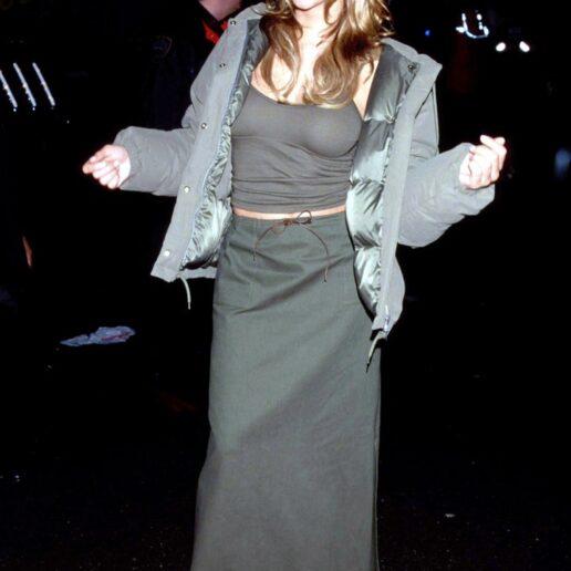 Mariah Carey: 16 look που αποδεικνύουν πως ήταν η βασίλισσα του grunge