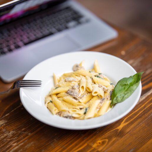 Lunch Break: Γιατί είναι συχνό λάθος να το παραλείπουμε