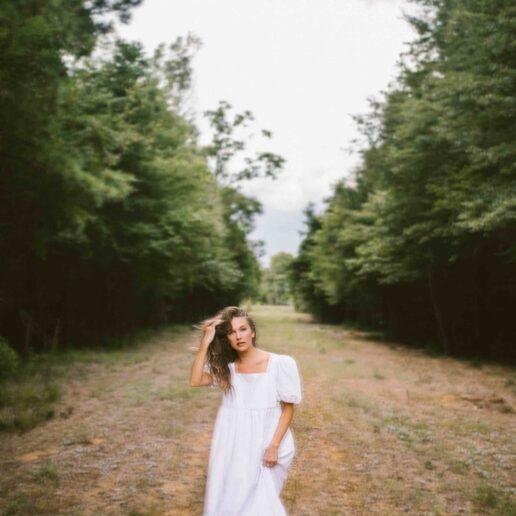 Ένα με τη φύση: Μια fashion editor αντλεί έμπνευση μέσα από ένα forest bathing