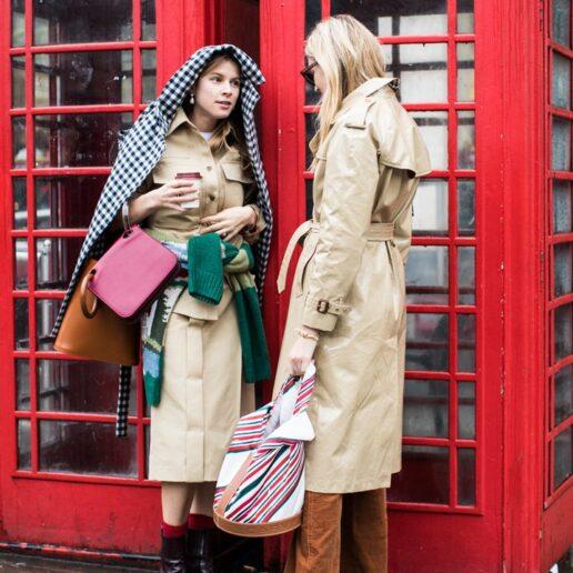 Street stylers παραδίδουν μαθήματα για κομψές εμφανίσεις στη βροχή