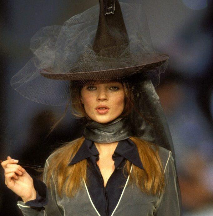 Ψάχνετε κοστούμι για το Halloween; Οι πασαρέλες θα σας γεμίσουν ιδέες & έμπνευση