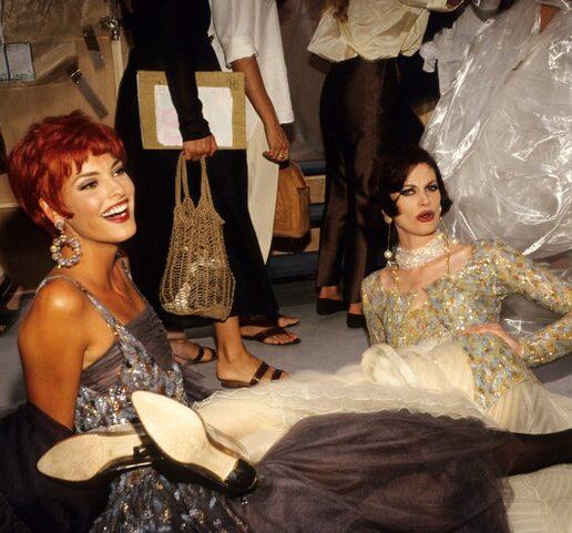 30 iconic φωτογραφίες από τις εβδομάδες μόδας του Παρισιού στα 90s