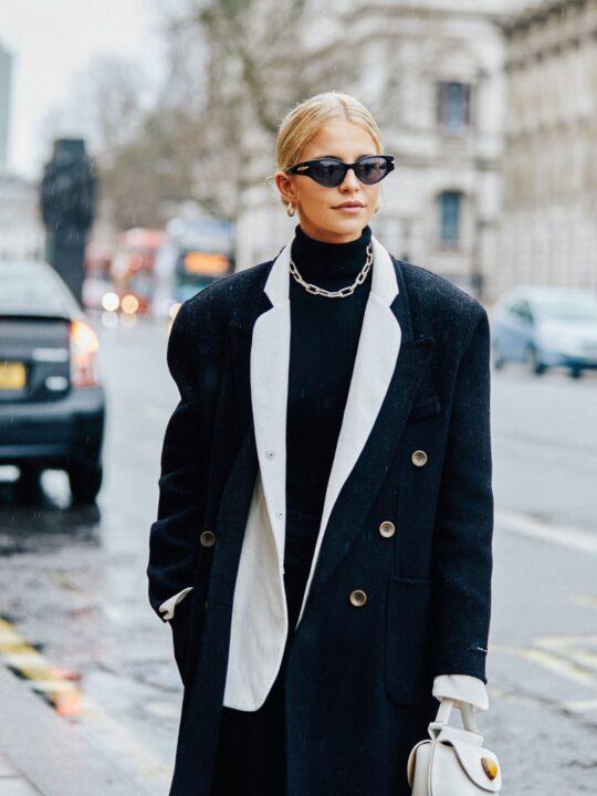 Timeless Coat: 6 υπέρκομψα παλτό που θα φοράμε όλο τον χειμώνα
