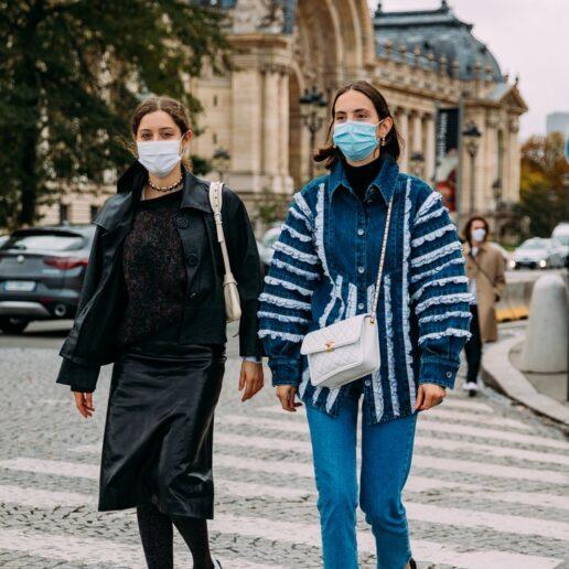 12 σύγχρονοι τρόποι να φορέσετε denim, όπως οι street stylers