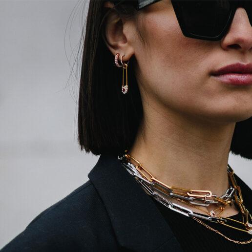 Chain Necklaces: 8 κολιέ που θα αναβαθμίσουν τα WFH σύνολά σας