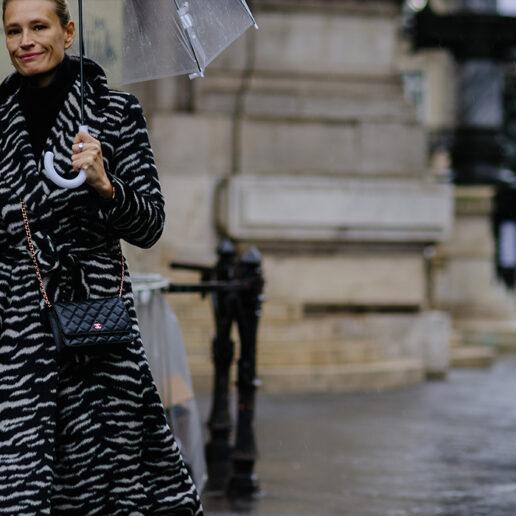 Let it Rain: Πώς να είστε Vogue ακόμα και όταν βρέχει