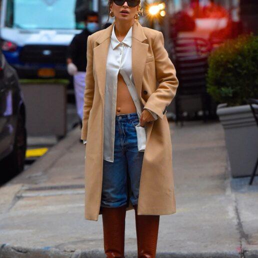 Maternity Style: Από την Emrata, στην Elsa Hosk, αυτά είναι τα καλύτερα outfit