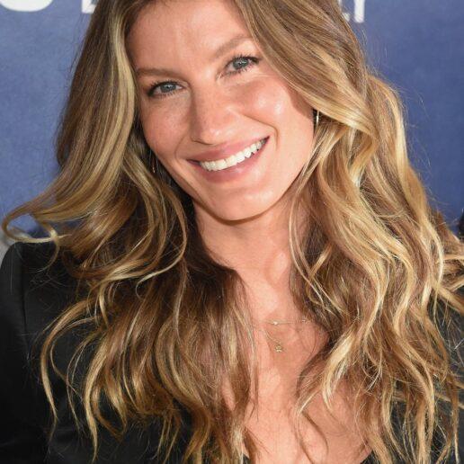 Grown-Out Roots: 23 celebrities που επιβεβαιώνουν την τάση