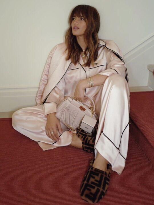 Cozy Slippers: Οι πιο στιλάτες παντόφλες σπιτιού για να αγοράσετε τώρα