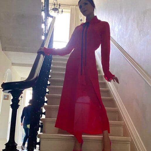 Dress in Red: Πώς να φορέσετε το κόκκινο όπως η Victoria Beckham
