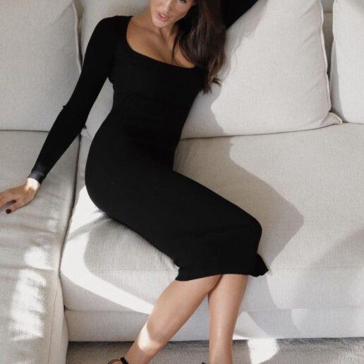 Back Slit: Βρήκαμε το πιο σέξι φόρεμα για τα φετινά εορταστικά look