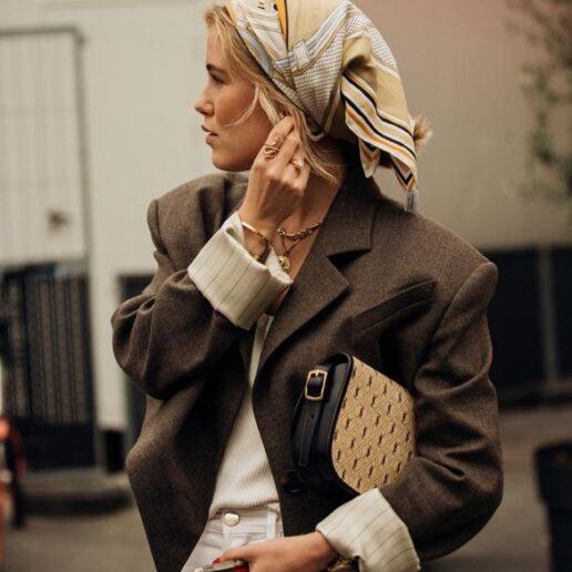 Κοντό Σακάκι: 3 λόγοι για να το φορέσετε (αν δεν το έχετε ήδη κάνει)