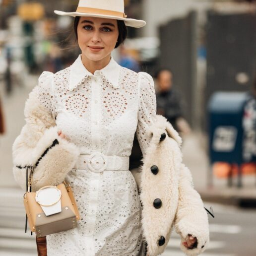 Like Α Pro: Ο οδηγός της Vogue για να ντυθείτε στα λευκά τον χειμώνα