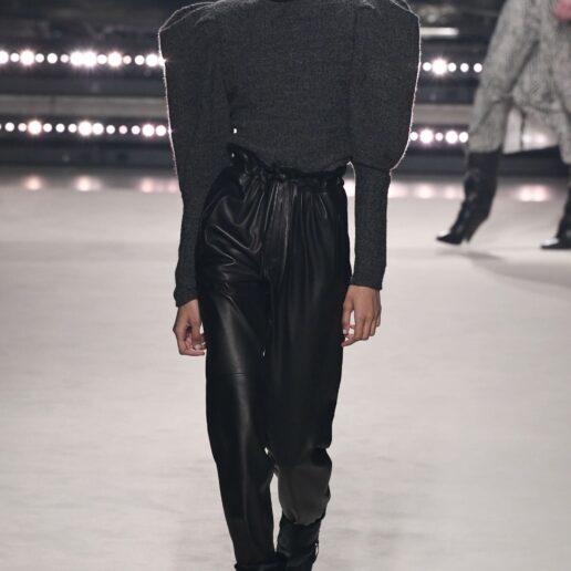 Black Leather Pants: Πώς να φορέσετε το πιο hot παντελόνι της σεζόν