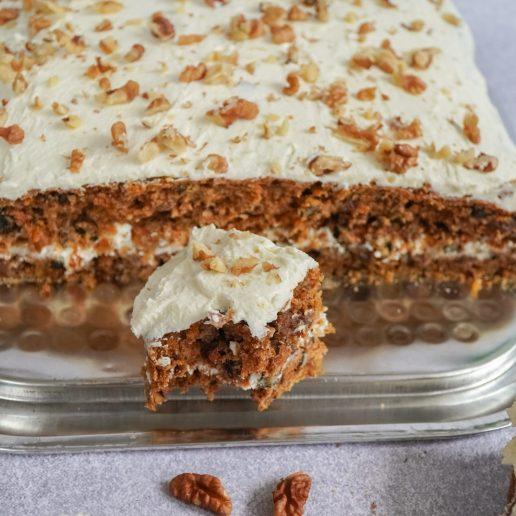 Σας αρέσει το κέικ καρότου; Αυτή είναι η vegan συνταγή που πρέπει να δοκιμάσετε