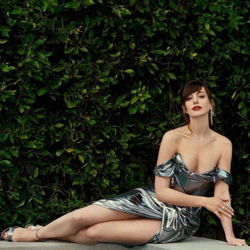 Anne Hathaway: Πώς άλλαξε εντελώς το look της κόβοντας αφέλειες