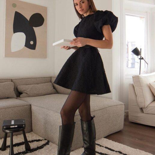 Flat Boots: 8 ζευγάρια μπότες σε έκπτωση που θα αναβαθμίσουν το στιλ σας