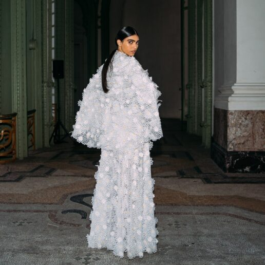 Chanel Βackstage: Λαμπερές εικόνες από τα παρασκήνια του SS21 couture σόου