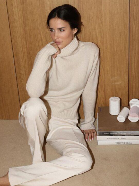 Vogue Shop: 10 κομμάτια που μπορούν να φορεθούν εντός και εκτός σπιτιού