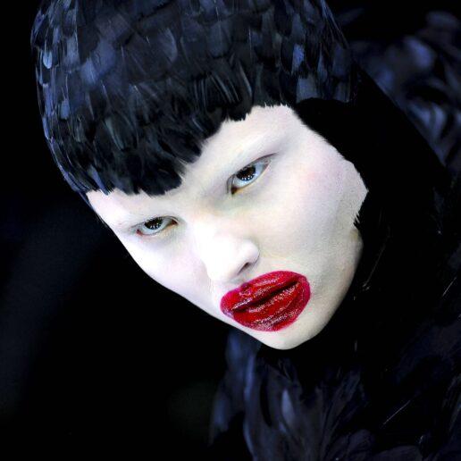 Vogue Creativity: 8 στιγμές ομορφιάς από τις πασαρέλες που άφησαν εποχή