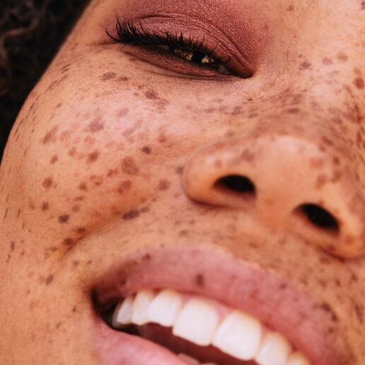 Πώς να δημιουργήσετε την τέλεια vegan ρουτίνα ομορφιάς