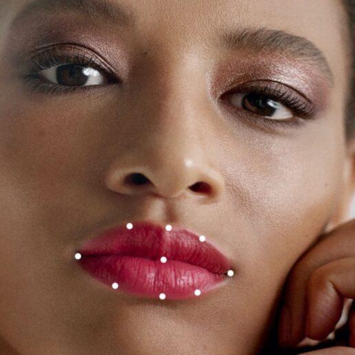 Η τέλεια απόχρωση για τα χείλη σας; Η νέα εφαρμογή της Chanel τη βρίσκει αμέσως