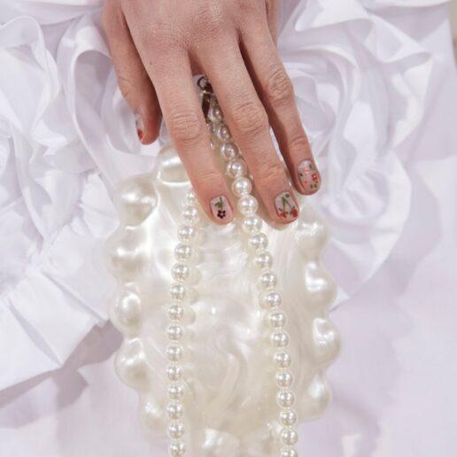 Manicure Inspo: To ονειρεμένο nail art στο AW21 σόου της Simone Rocha